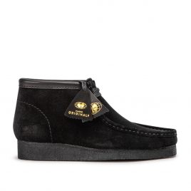 Clarks Originals x Wu Wear Wallabee WW (Schwarz Wildleder) (26142-7247)