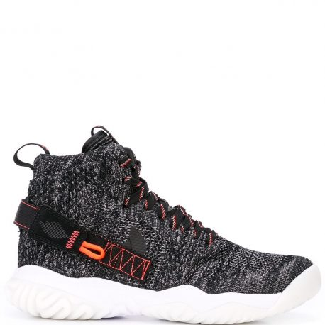 Nike    (BQ1311-001)