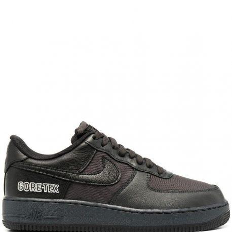 Nike     (CT2858)